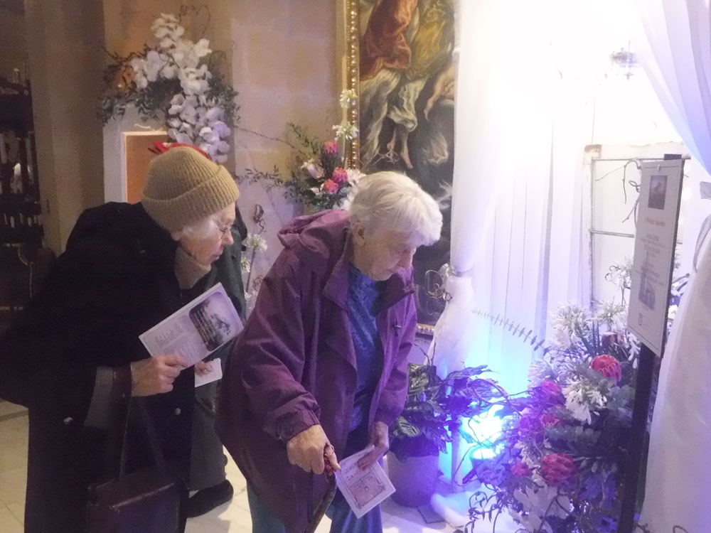 Resident from Immanuel Village in Omaha, Nebraska visit the cathedral flower show